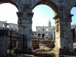 Umbauarbeiten im Amphitheater von Pula