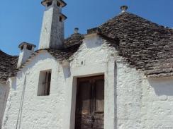 ein Trulli Haus mit Speicher