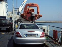 sicherer Platz hinterm Rettungsboot, ohne den Dreck vom Schornstein...
