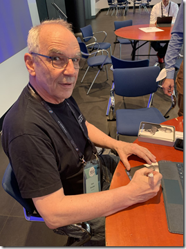 Infinity 365: Mr.OneDrive Autogrammstunde